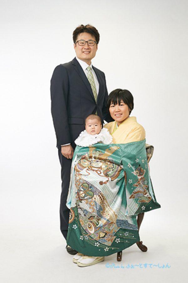 お宮参りで家族写真デビューサムネイル